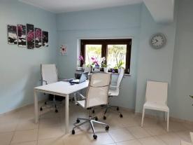 Affitasi stanze ad uso professionale